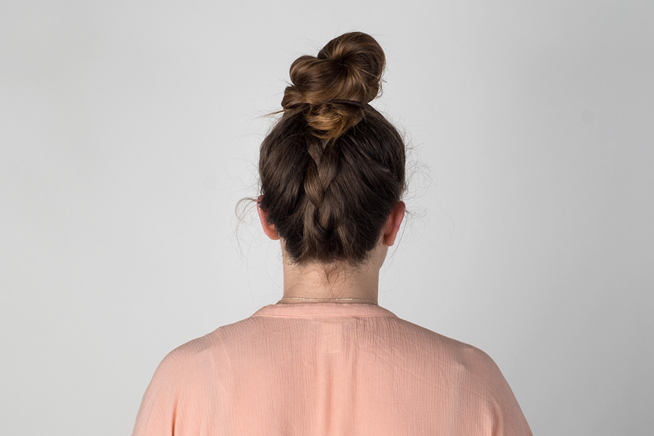 top-knot-hair-style-main-feature