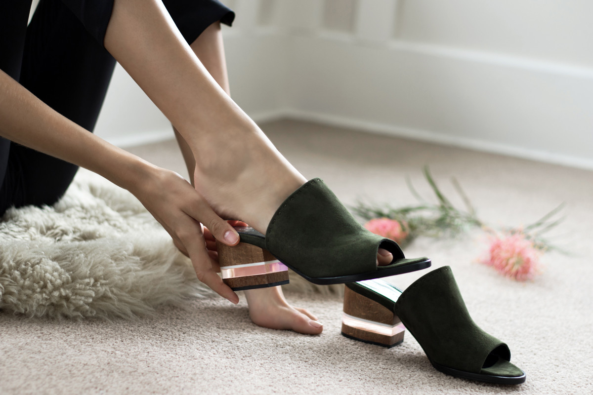 lookbook_image_dear_frances_mules_poser_mules_womens_designer_shoes_made_in_italy