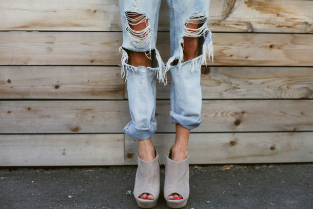 distressed boyfriend jeans and nude mules