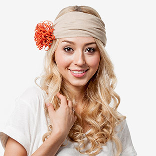 The Flower Child - How to Style a Stretchy Headband